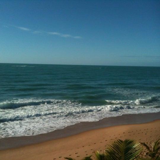 Foto tirada no(a) Praia Mirante da Sereia por Rodrigo H. em 9/3/2012