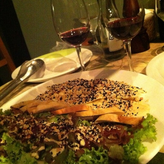 Photo taken at Bercy Village - Crepes e Saladas by Breno A. on 4/4/2012