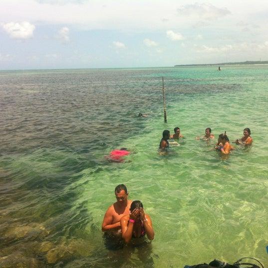 Foto tirada no(a) Praia de Paripueira por Marcio K. em 3/23/2012