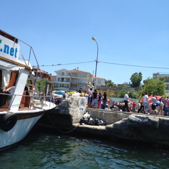 Photo taken at Büyükada Mavi Marmara Motor İskelesi by Ali S. on 7/1/2012