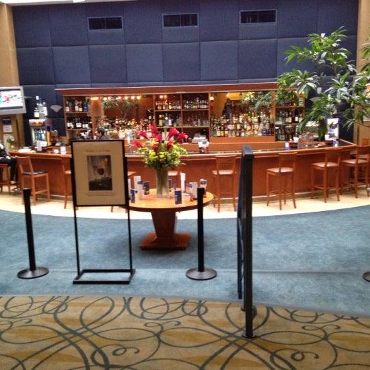Foto diambil di The Watson Hotel oleh Polina🌺 pada 3/29/2012
