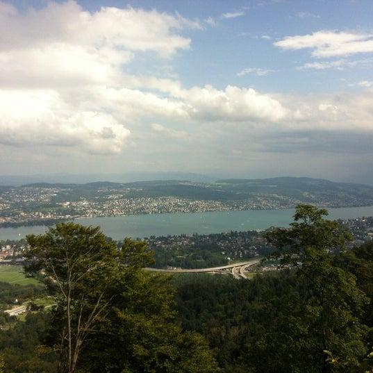 Снимок сделан в Uetliberg пользователем Loulwah M. 8/25/2012