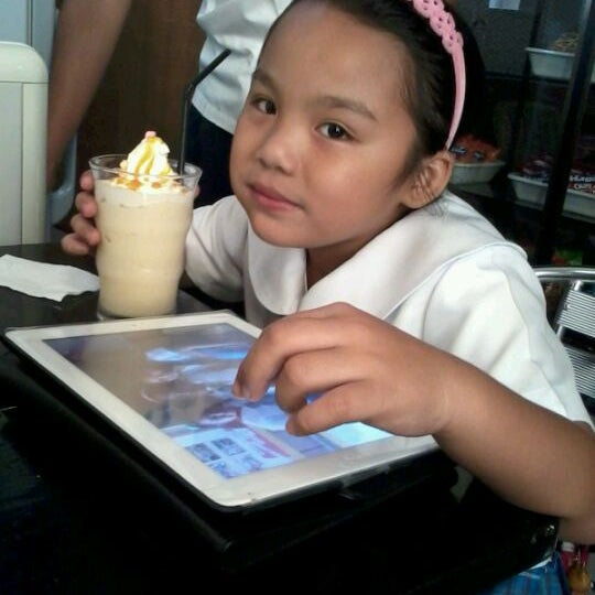 Photo taken at Coffee Craze by Jhay N. on 2/24/2012