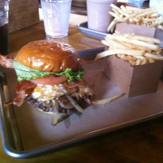 Photo taken at Chop House Burger by Alex on 3/6/2012