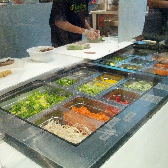 Photo taken at Freshroll Vietnamese Rolls & Bowls by Evadora Z. on 7/10/2012
