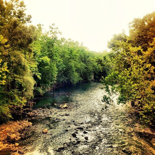 Photo taken at Croton Gorge Park by Nyu N. on 8/11/2012