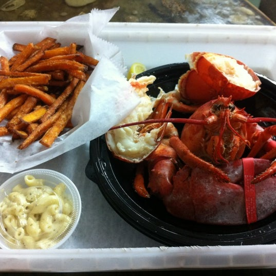 Photo taken at Jazzy's Mainely Lobster by Philip N. on 2/23/2012