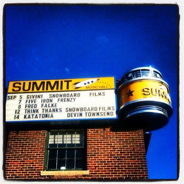รูปภาพถ่ายที่ Summit Music Hall โดย Thomas Cole O. เมื่อ 9/5/2012