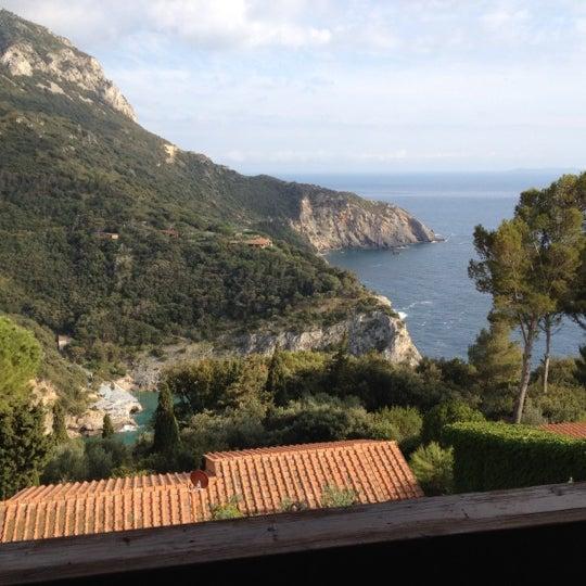 Foto scattata a Torre di Cala Piccola Hotel Monte Argentario da Alex B. il 5/13/2012