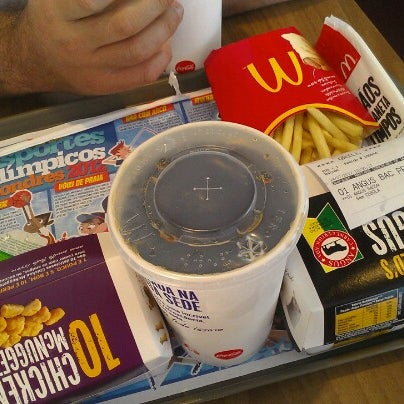 Photo taken at McDonald's by Eduardo A. on 7/24/2012