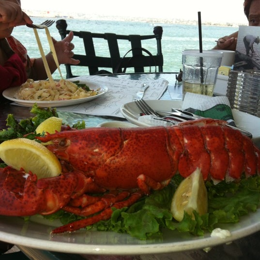 The fish market san diego seafood restaurant in san diego for Fish market restaurant san diego