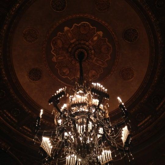 รูปภาพถ่ายที่ Beacon Theatre โดย Tarik S. เมื่อ 7/15/2012