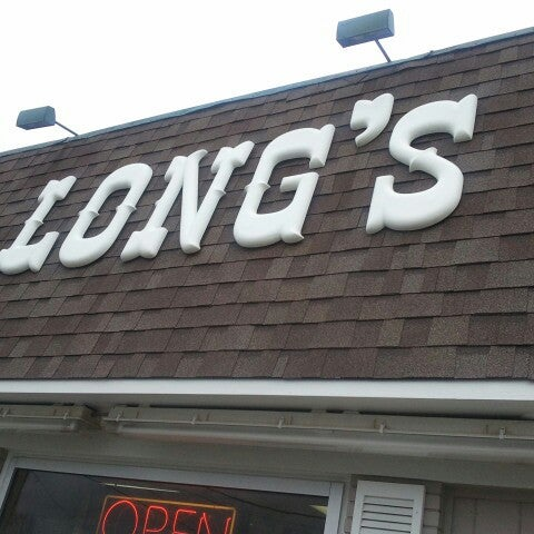 Photo taken at Long's Bakery by Denise W. on 8/10/2012
