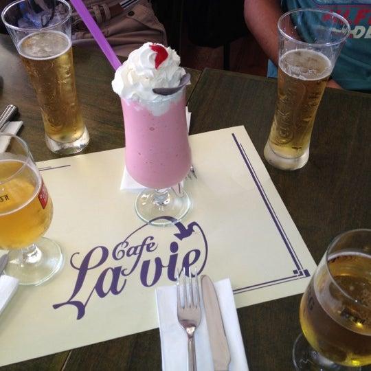 Photo taken at Cafe La Vie by Barış A. on 8/30/2012