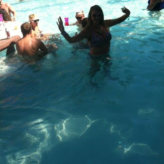 Photo taken at Flamingo GO Pool by Miriam G. on 8/28/2012