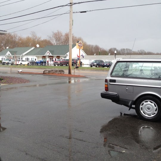 Photo taken at Miller's Roast Beef - South Attleboro by Paul O. on 4/12/2012