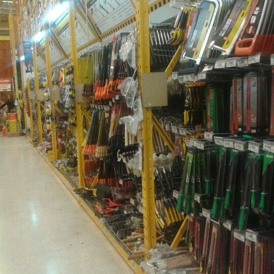 Photo taken at Homecenter Sodimac by Cristobal A. on 6/15/2012