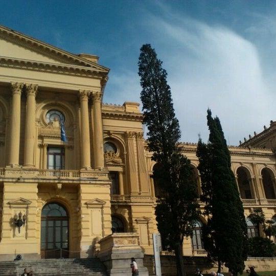 Das Foto wurde bei Museu Paulista von Francikelly R. am 6/10/2012 aufgenommen