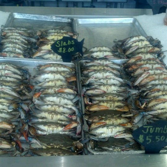 Conrad 39 s crabs seafood market parkville md for Fish market maryland
