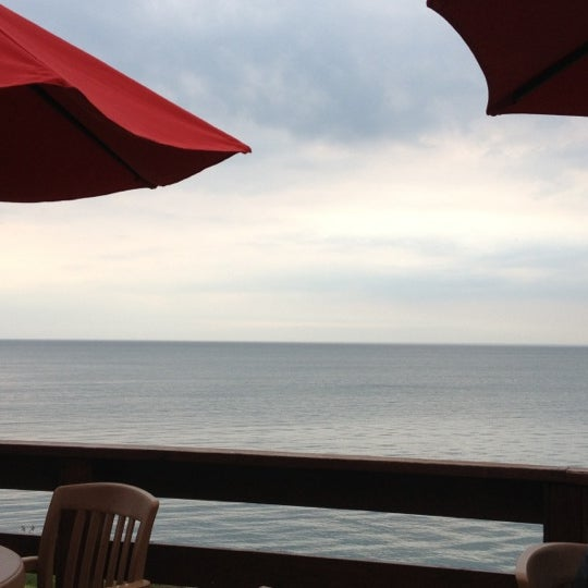 Photo taken at Lake House Restaurant by Vinicius N. on 5/12/2012