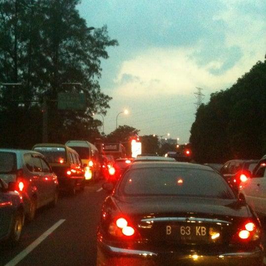 Photo taken at Lampu Merah Cawang by feby b. on 3/30/2012