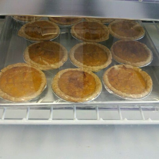 Photo taken at The Avenue Bakery by R M. on 6/7/2012