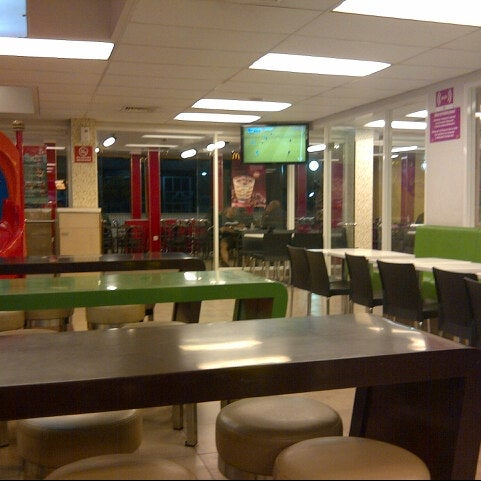 Photo taken at McDonald's by Erico d. on 8/22/2012
