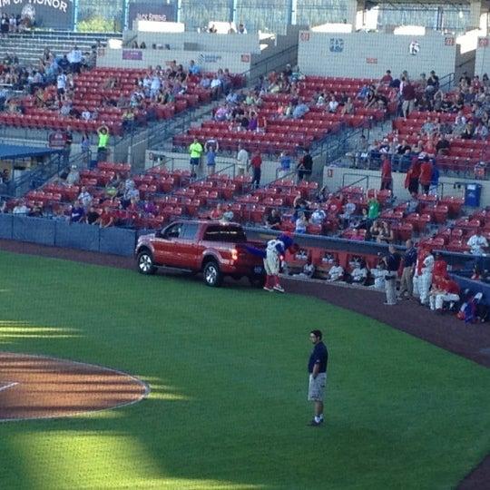 Das Foto wurde bei Spokane Indians Diamond Club von Jack S. am 8/16/2012 aufgenommen