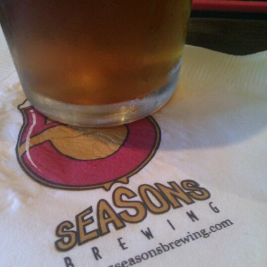 Photo taken at 5 Seasons Brewing by Jay B. on 7/28/2012