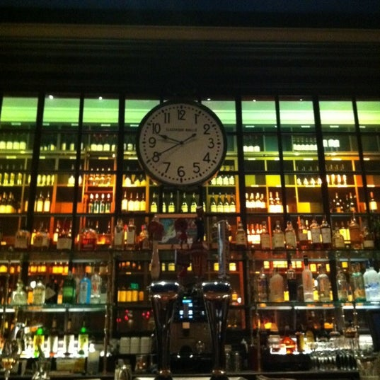 Photo taken at Left Bank Brasserie by Jacqueline D. on 2/21/2012