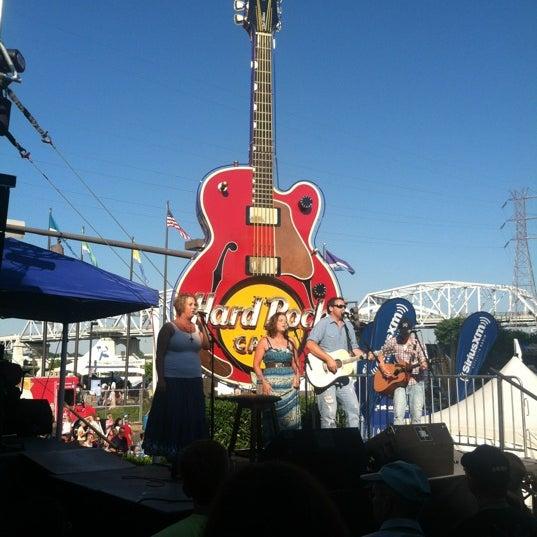 Photo taken at Hard Rock Cafe Nashville by Annie O. on 6/8/2012