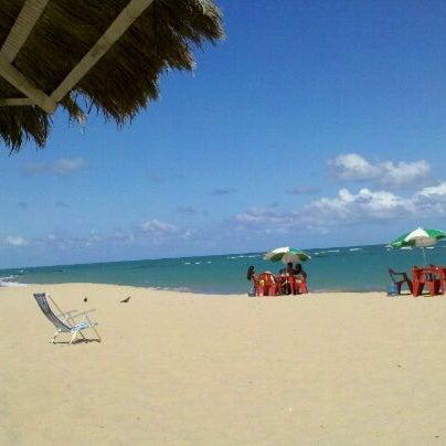 รูปภาพถ่ายที่ Praia de Guaxuma โดย Regina B. เมื่อ 2/29/2012