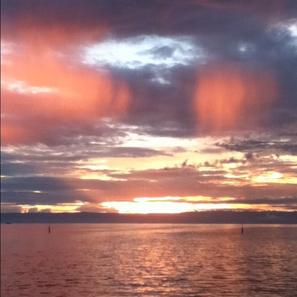 Photo taken at Tagbilaran City Bohol Port by Ellea mae M. on 5/1/2012