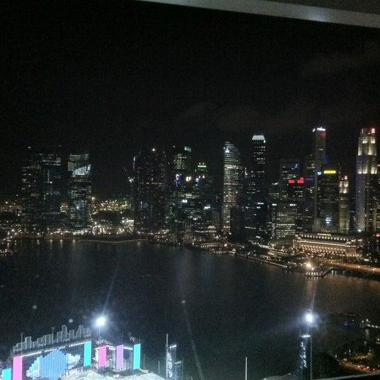 Photo taken at The Ritz-Carlton Millenia Singapore by ʍմղҽҽɾ A. on 6/20/2012