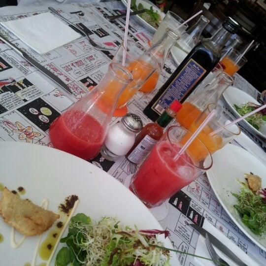 Foto tirada no(a) Verissimo Bar por Luciana R. em 9/12/2012