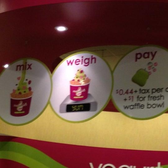 Photo taken at Menchie's Frozen Yogurt by Eren B. on 3/13/2012