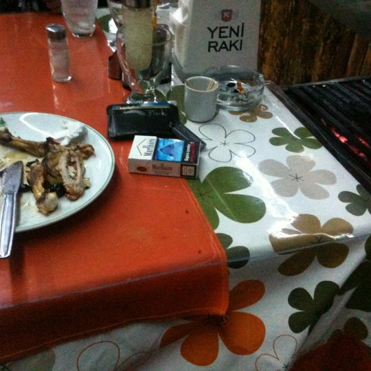 2/4/2012 tarihinde Ferdi O.ziyaretçi tarafından Çamaltı Restaurant'de çekilen fotoğraf
