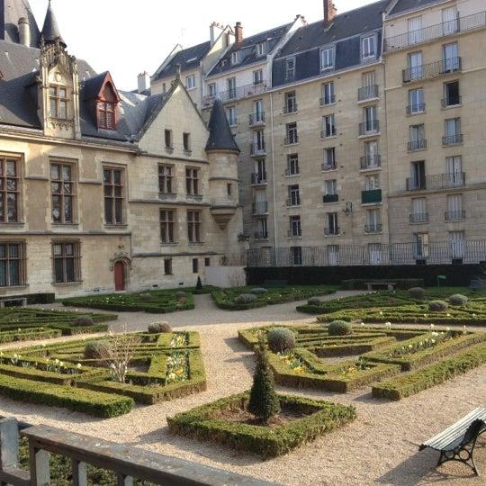 Jardin de l 39 h tel de sens garden in paris - Petit jardin hotel san juan saint paul ...