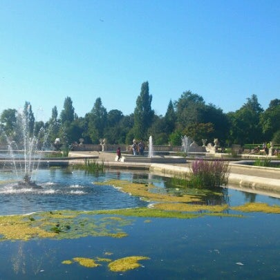 Photo taken at Kensington Gardens by Наталия on 9/10/2012