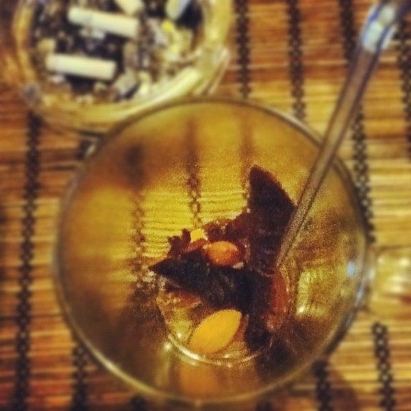 Снимок сделан в Кофейня «Кардамон» и лавка «Коллекция Пустяков» пользователем Alyona T. 9/5/2012