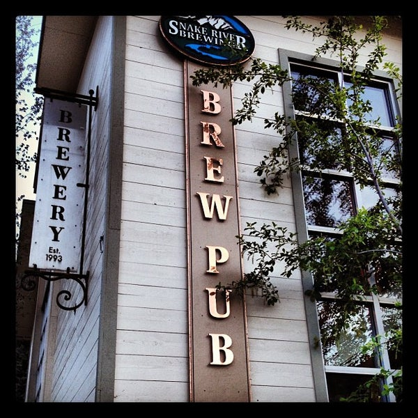 Photo taken at Snake River Brewery & Restaurant by Zeke S. on 5/22/2012