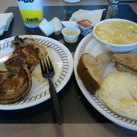 Photo taken at Waffle House by Carletta K. on 6/10/2012