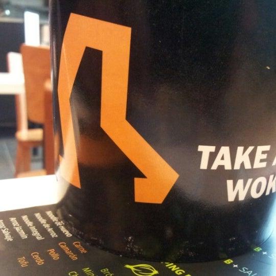 Foto tomada en Take a Wok por Luis A. el 7/15/2012