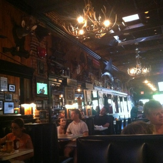 Photo taken at Tune Inn Restaurant & Bar by Steven C. on 8/12/2012
