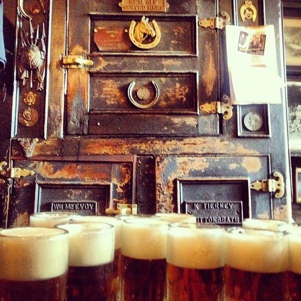 Photo prise au McSorley's Old Ale House par Niamh H. le9/1/2012