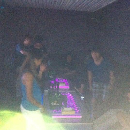 รูปภาพถ่ายที่ KBOX Plus โดย Joey P. เมื่อ 8/25/2012