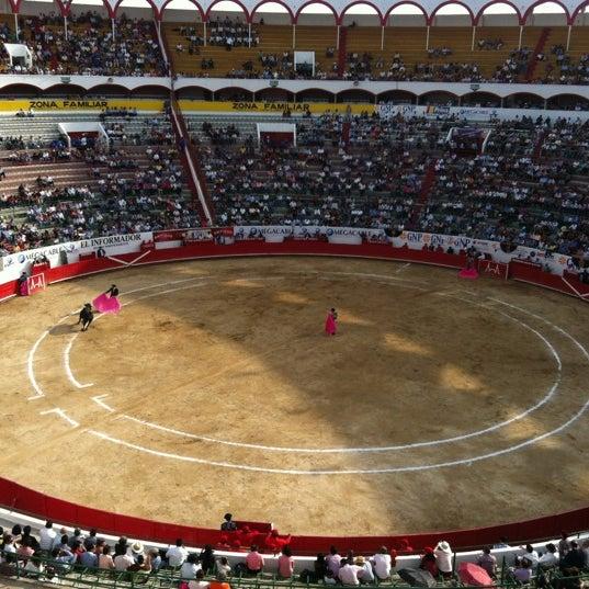 Foto tomada en Plaza de Toros Nuevo Progreso por Charly D. el 3/4/2012