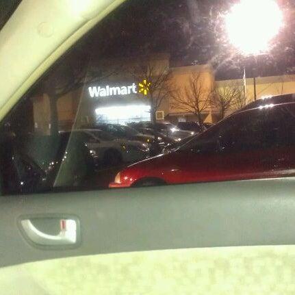 Photo prise au Walmart par Keneka S. le3/19/2012