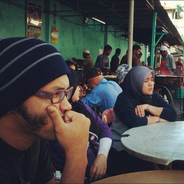 Photo taken at Roti Canai Transfer Rd. by Ana Azhana on 8/22/2012