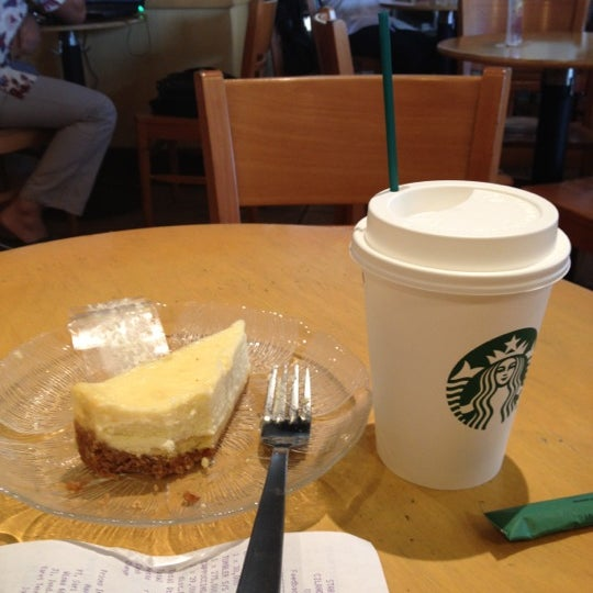 Photo taken at Starbucks by FY M. on 6/7/2012
